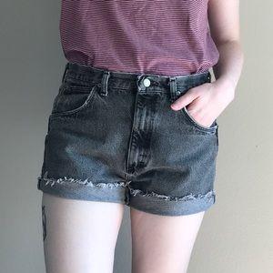 Wrangler | Vintage High Waisted Cutoff Shorts